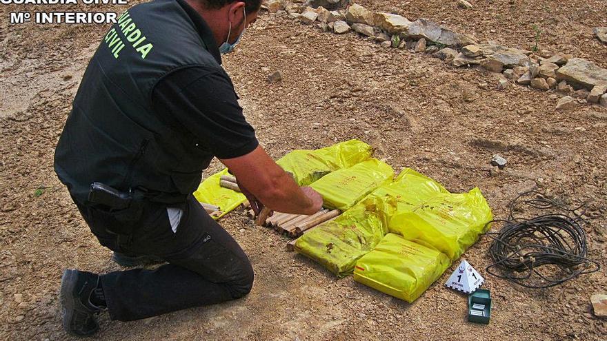 Hallan una caja  con explosivos en  Villar de los Olmos