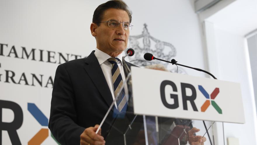 El alcalde de Granada presenta su dimisión y abre la puerta a que gobierne el PSOE