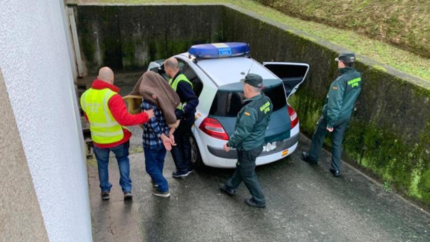 Pasa a disposición judicial el detenido en Ponteareas por grave agresión a su exmujer