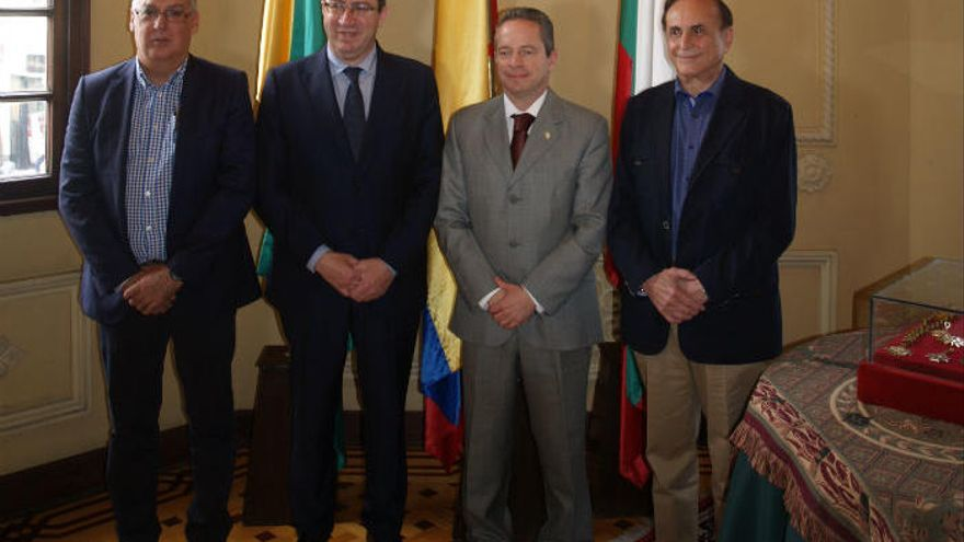 Benidorm y Manizales renuevan su compromiso para formar trabajadores colombianos en España