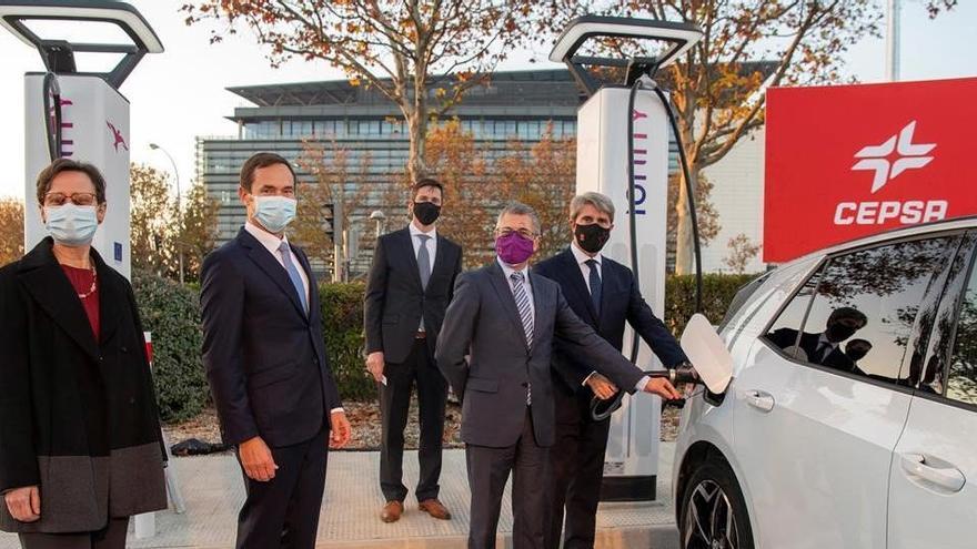 Cepsa e Ionity completan el primer corredor de carga ultrarrápida para vehículos eléctricos