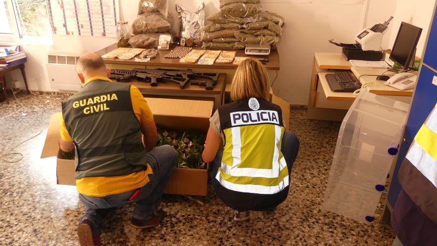 Desmantelan una organización criminal dedicada a cultivar y distribuir marihuana desde Elda, Villena, Petrer y Yecla