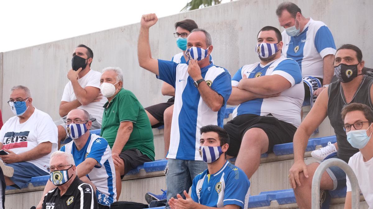 Aficionados del Hércules en el amistoso del pasado 23 de septiembre en Elda.