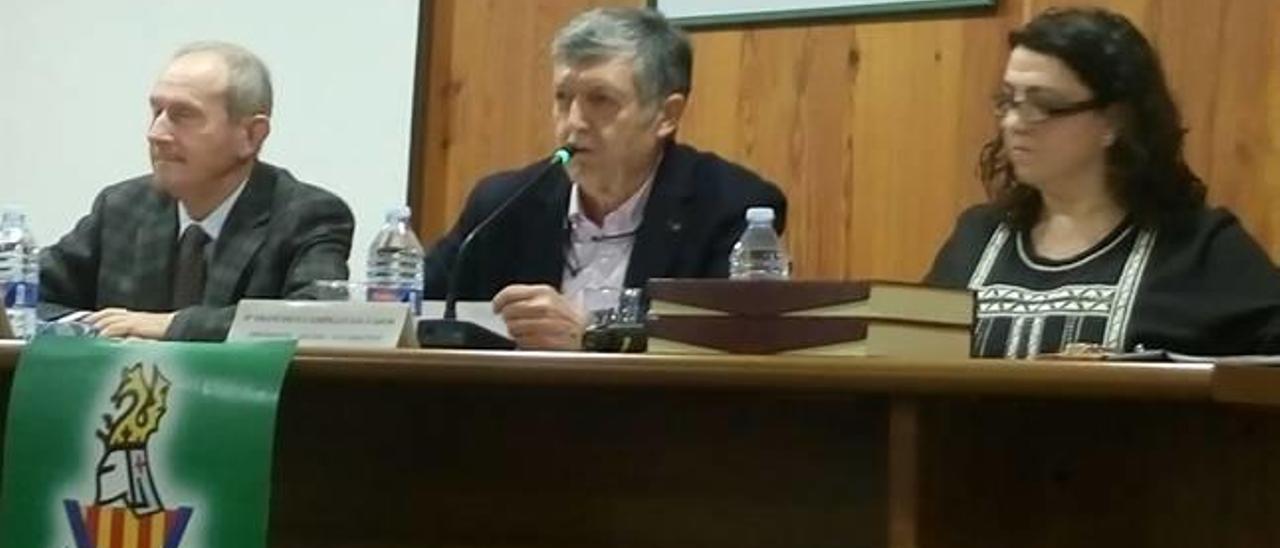 Un momento de la asamblea, con Francisco Campillo y Cristóbal Aguado.