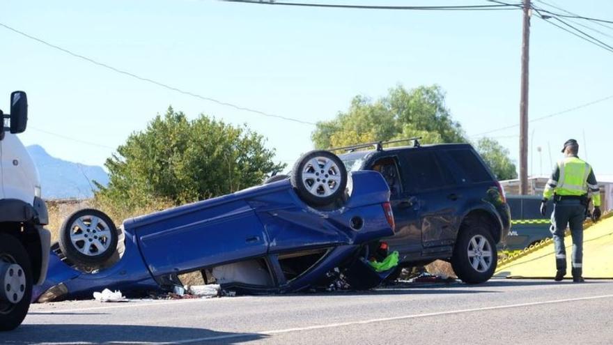 Fallece una joven de 22 años en un accidente de tráfico en la carretera de Monóvar-Pinoso