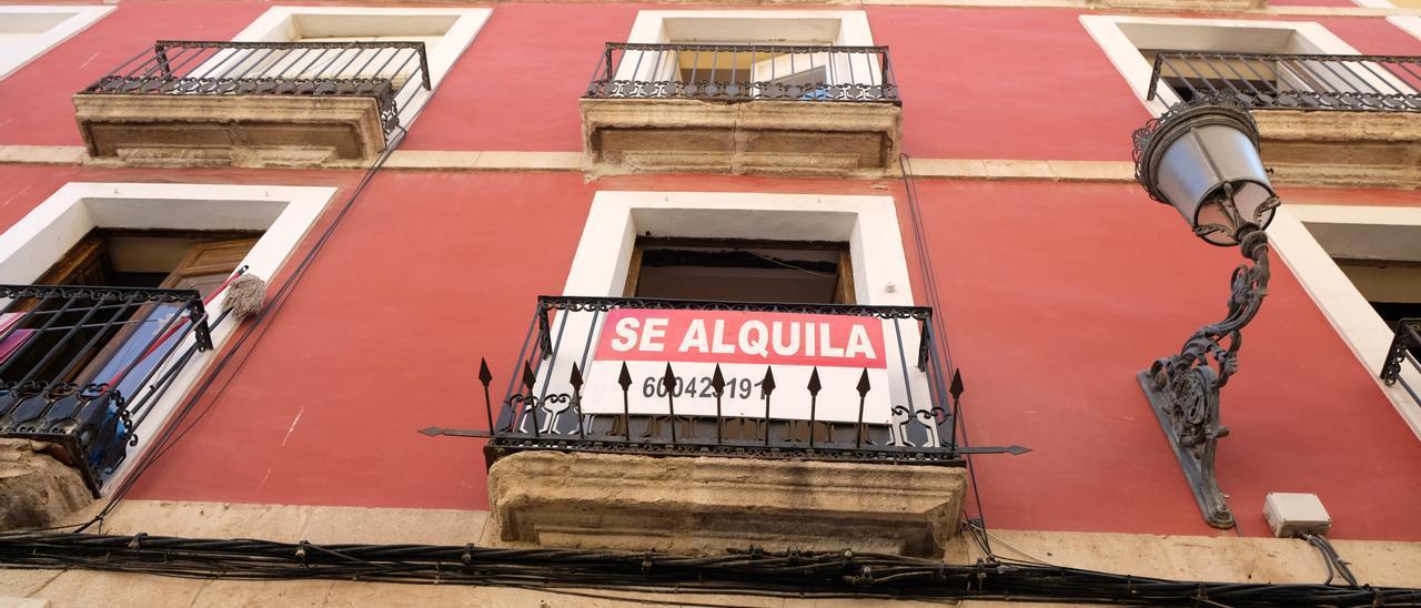 Imagen de un edificio donde se alquila un piso en el casco antiguo de Alicante