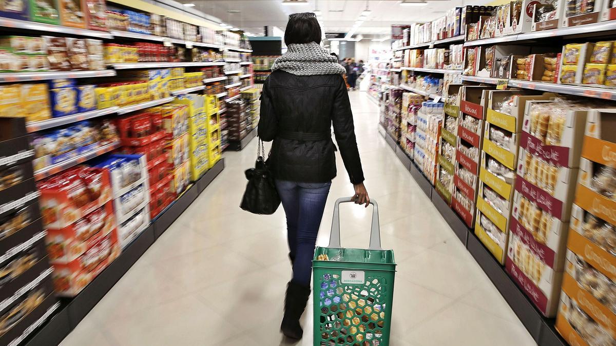 Interior de un supermercado.