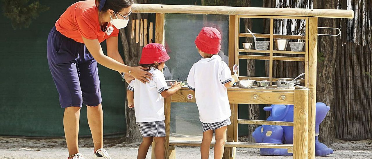 Las ayudas son para niños de 2 a 3 años en escuelas infantiles homologadas por la Generalitat.   MANUEL R. SALA