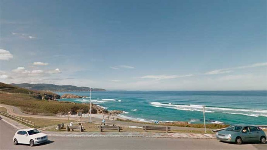 Fallece un hombre en el mar en la playa de Repibelo de Arteixo