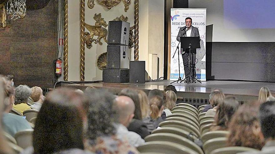 La Diputación anuncia una Rede de Concellos para o Benestar y su Plan de Acción de Servizos Sociais
