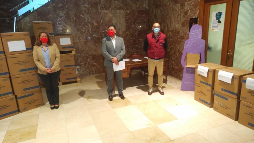 La Subdelegación entrega 56.000 mascarillas para los vecinos de Zamora más vulnerables