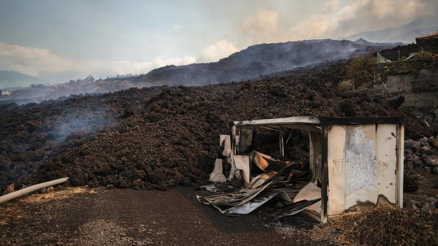 Más de 500 metros de carretera en La Palma ya están bajo la lava del volcán