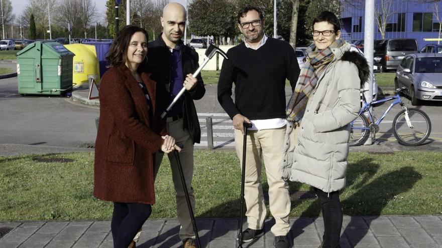 Una firma gijonesa premiada por diseñar un bastón que geolocaliza a enfermos de pakinson y alzheimer