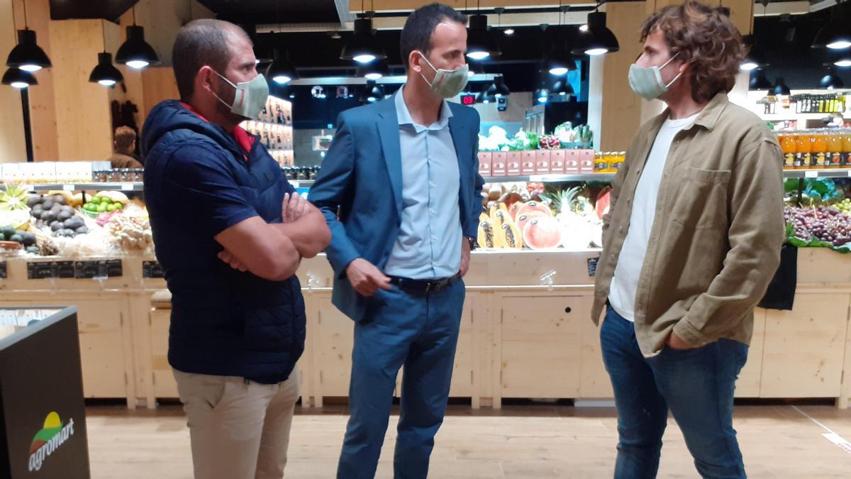 De izquierda a derecha, Rafel Figuera responsable de comunicación de Agromart, Jordi Mora, president de PIMEM y Tomeu Lliteres, socio cofundador de la empresa