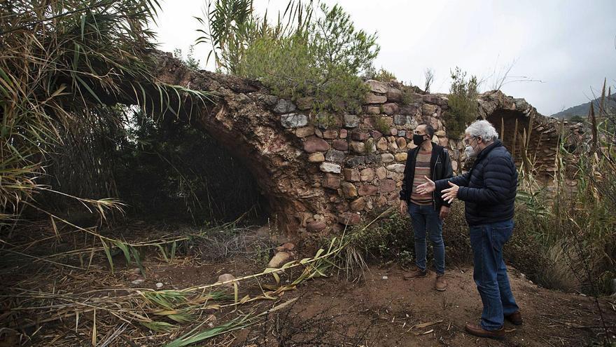 El Pont de les Jovades  de Torres Torres agoniza tras años en el olvido