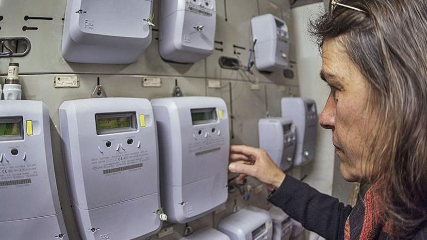 Garzón anuncia que el Govern estudia baixar l'IVA de la llum del 21 al 10%