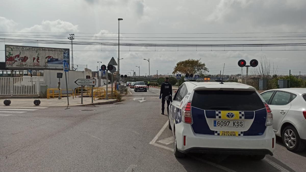 Paterna refuerza el control de accesos a La Canyada para frenar la llegada de visitantes a segundas residencias