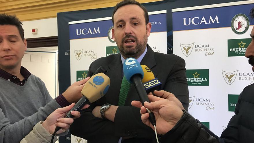 El UCAM Murcia y Sadiel Rojas acercan sus posturas