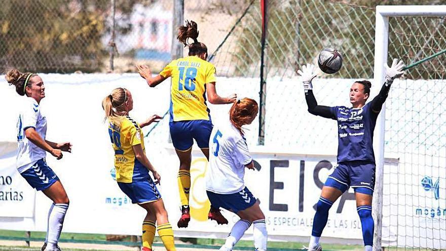 La UDG Tenerife Egatesa gana con autoridad al Femarguín