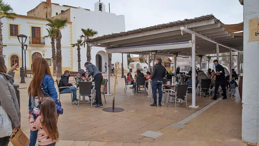 Las terrazas de Formentera podrán abrir de forma ininterrumpida los fines de semana