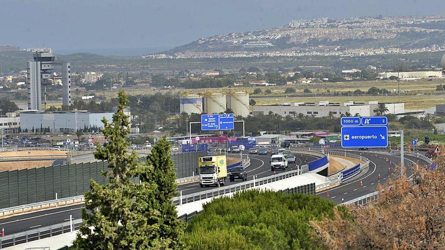 El nuevo acceso al aeropuerto alivia el tráfico de 30.000 vehículos al día