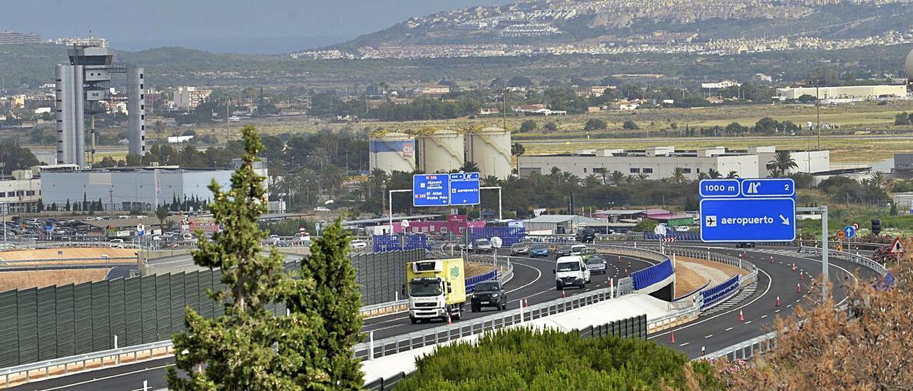 El nuevo acceso al aeropuerto desde la circunvalación de Alicante. | MATÍAS SEGARRA