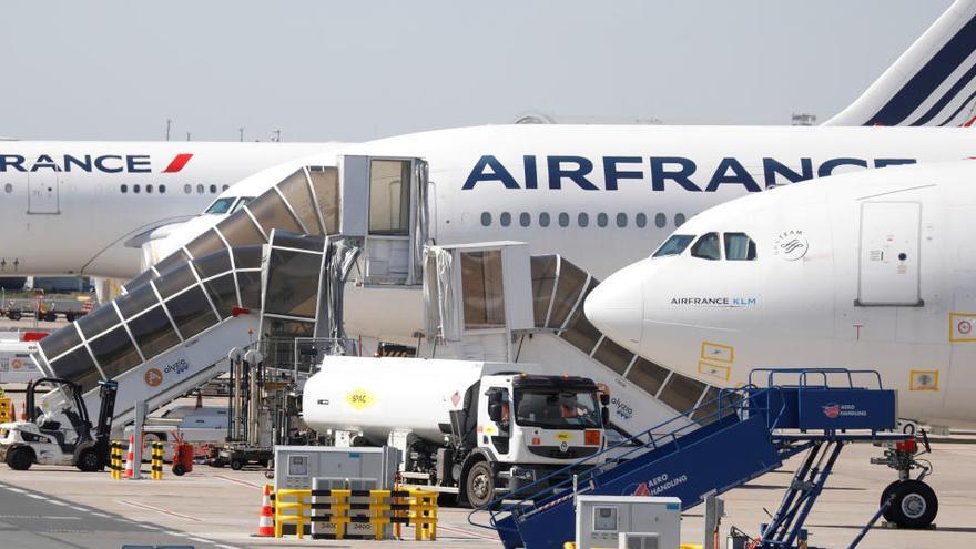 Francia prestará cerca de 7.000 millones a Air France y otros 5.000 a Renault