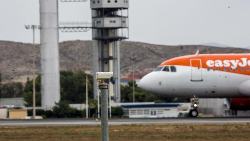 Easyjet prevé volver a volar desde el 15 de junio con un 50% de sus rutas en julio y el 75% en agosto