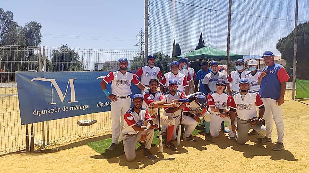 Tiburones de Málaga tras la doble victoria frente al Club de Béisbol Boquerones