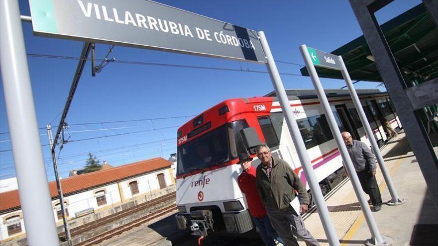 Villarrubia reitera su petición de un paso sobre las vías del tren