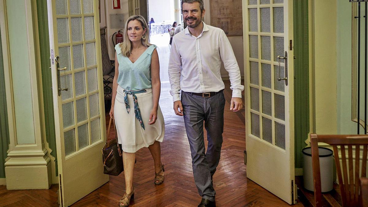 La nueva líder de Ciudadanos en Balears, Patricia Guasp, junto al portavoz Marc Pérez-Ribas, en una imagen de archivo.