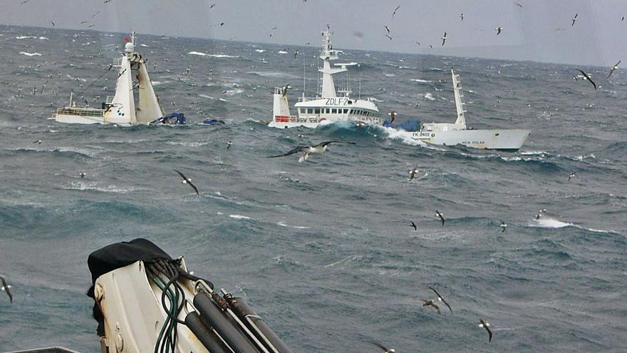 Londres abre el debate para la supresión de los aranceles a la flota gallega de Malvinas
