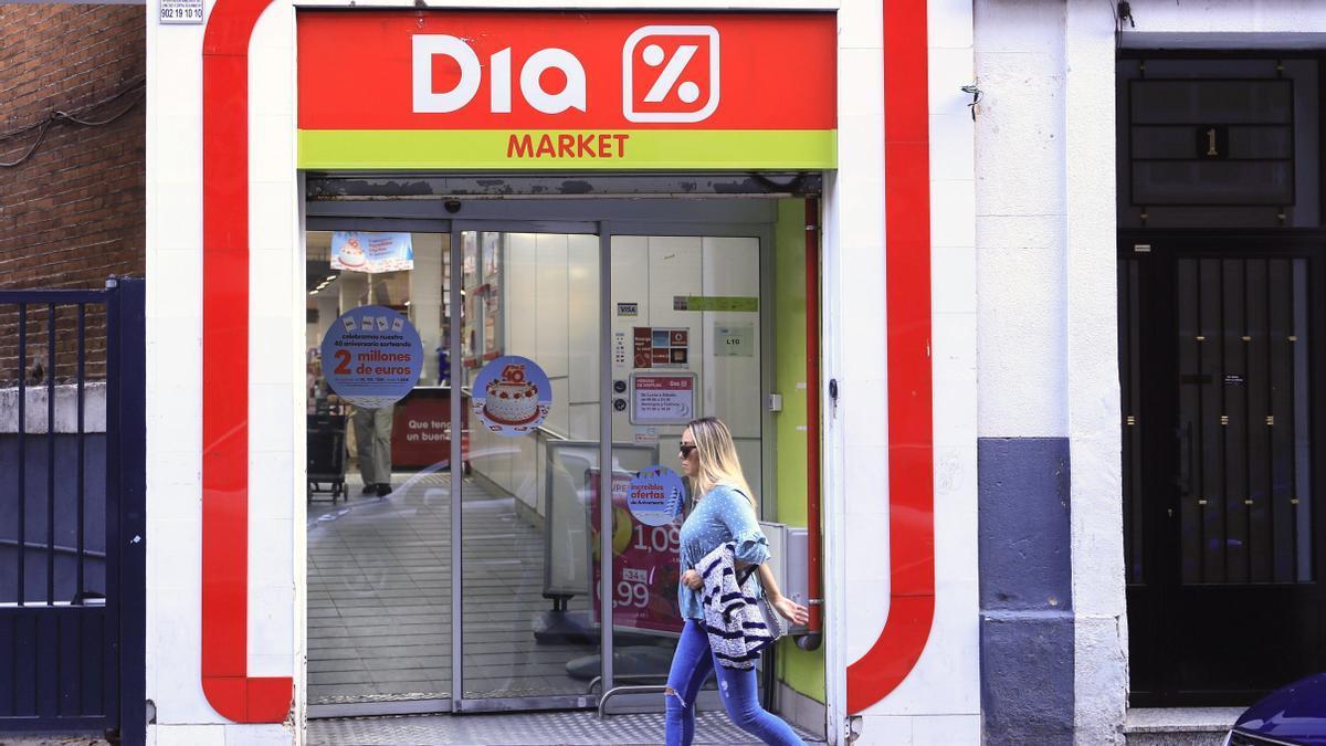 Entrada de un supermercado de la cadena DIA en Madrid.