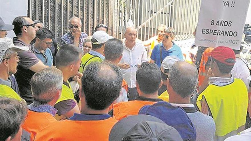 La huelga de examinadores deja a Castellón sin pruebas de Tráfico