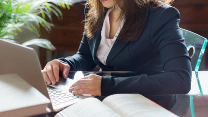 Se buscan para trabajar en Málaga: Financieros, asesores, repartidores e informáticos