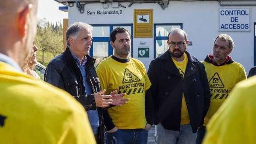 """El empleo, """"talón de Aquiles de la sociedad"""", dice Ángel López"""