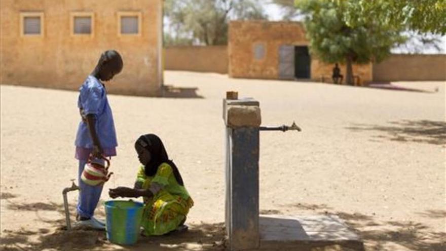 Más de 1.800 millones de personas consumen agua contaminada por material fecal