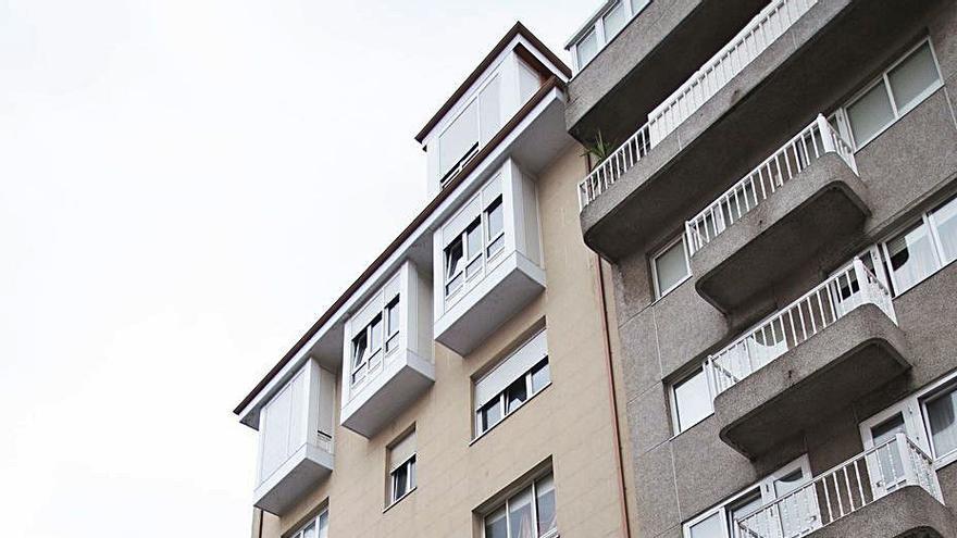 El Concello paraliza el derribo de un edificio de Monte Alto para reparar antes su estructura
