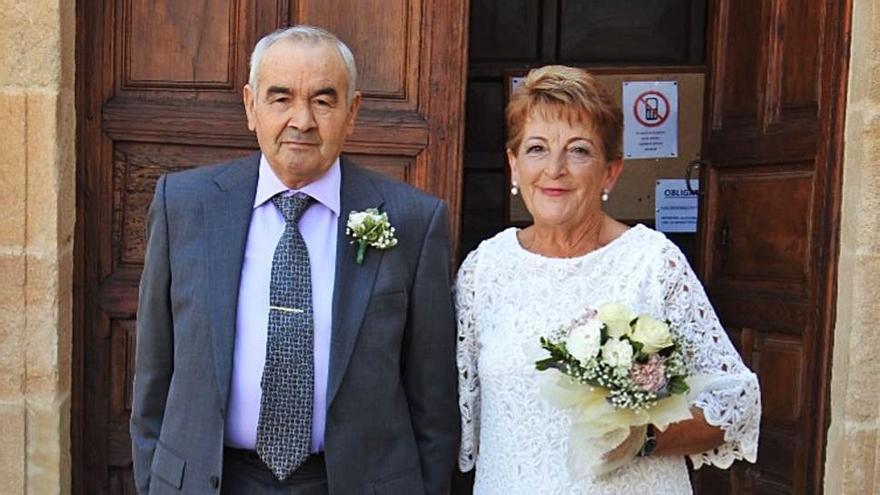 Marisa y Manolo celebran con toda su familia sus Bodas de Oro