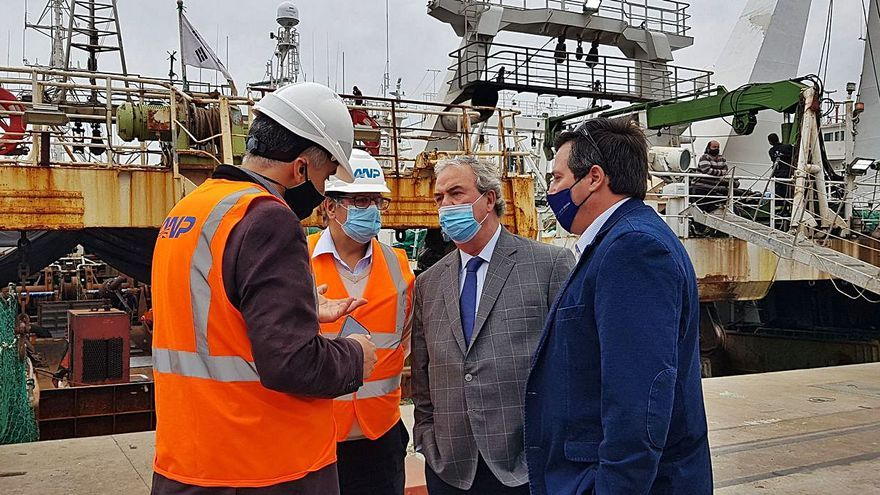 El Gobierno uruguayo busca una solución al poco espacio para la flota en el puerto de Montevideo