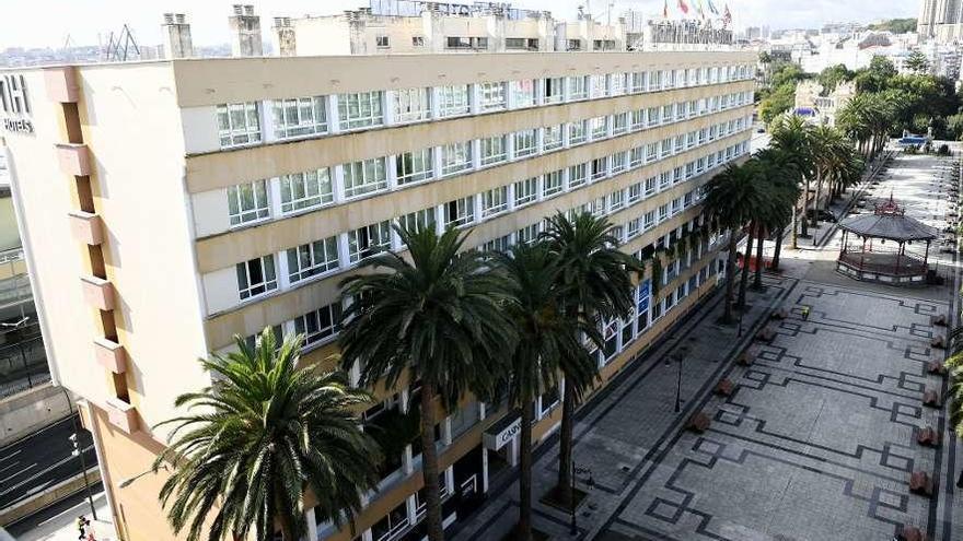 El Concello eleva de 2.500€ a un millón el alquiler del edificio del hotel Atlántico