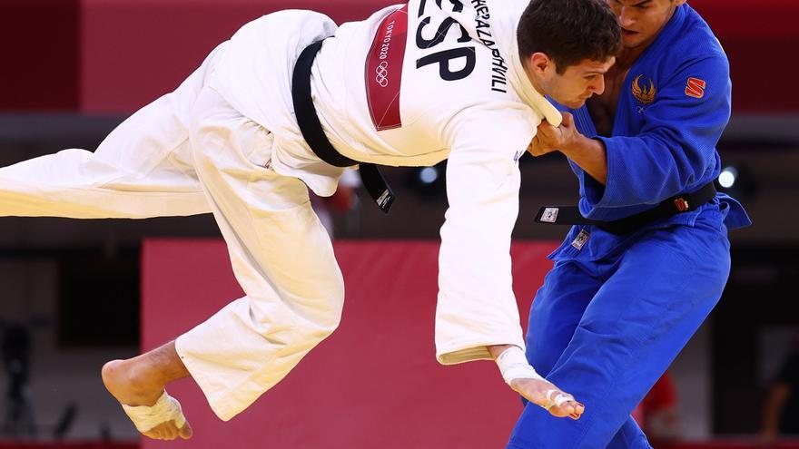 Nikoloz 'Shera' tropieza en la repesca y dice adiós a la medalla