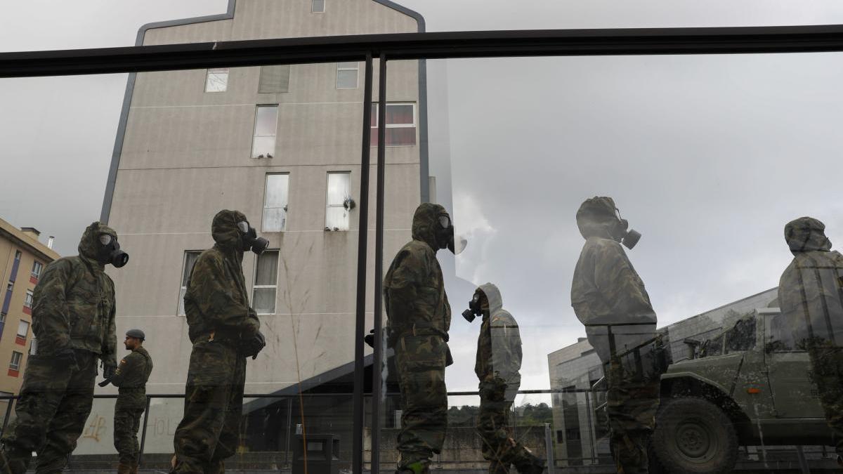 Militares en el geriátrico de El Nodo en Avilés.