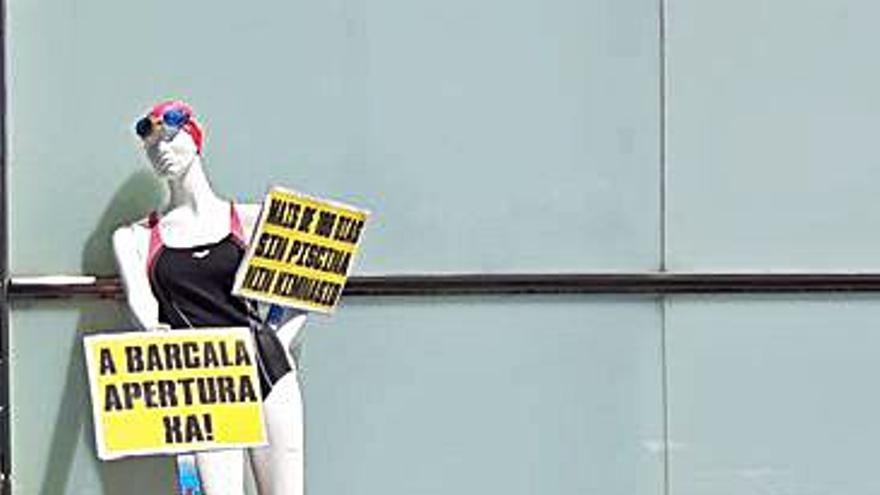 El BNG anuncia protestas si no se reabre la piscina de A Barcala en 72 horas