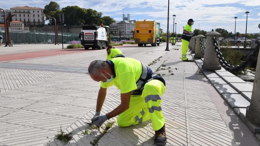 Comienza en A Coruña un plan de choque de limpieza y desinfección