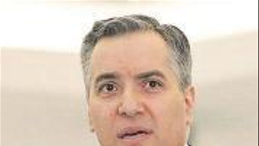 El 'premier' libanés dimite sin formar Gobierno y agrava la crisis del país