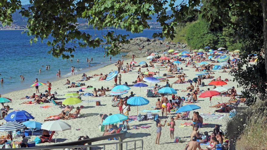Los vigueses difrutan del buen tiempo el último fin de semana de julio