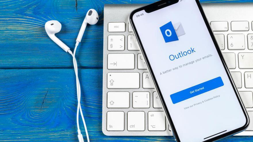 Un ataque 'hacker' compromete durante tres meses los correos de Outlook