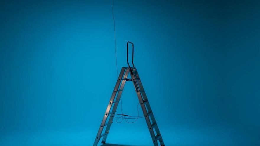 Escaleras plegables de aluminio para las tareas domésticas