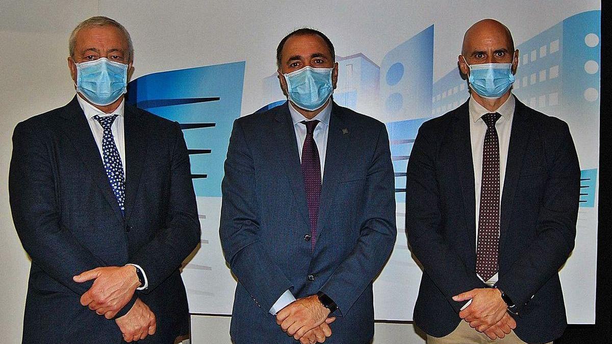 Desde la izq.,Javier Puente, Julio García Comesaña y José Flores.